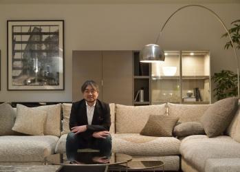 放送作家小山薫堂さんが、リニューアルした「アルフレックス東京」を訪れました。