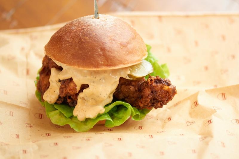 オーガニック食材を使ったグルメバーガー 、「BAREBURGER」が日本初上陸です!