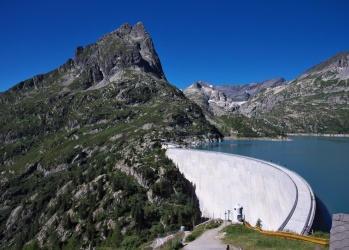 世界最長トンネルから巨大ダムまで、「スイス土木」の知られざる実力をご存じですか?