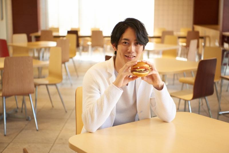 俳優・平岡祐太が太鼓判を押す、本格肉厚ビーフの新レギュラー商品。3つの「グラン」がマクドナルドに登場!