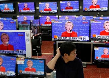 米大統領選、第1回テレビ討論を世界はどう報じたか