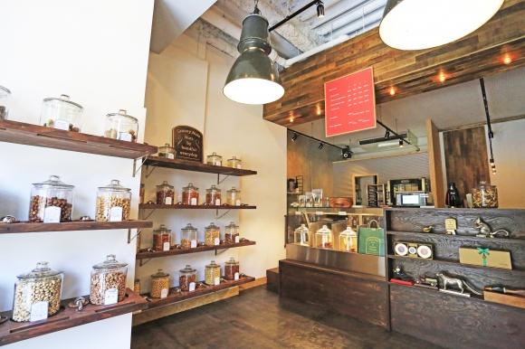夏バテ&ダイエットに効果抜群、ナッツ専門店「グルーヴィナッツ」に注目。