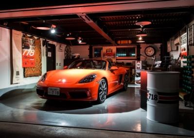 噂のポルシェ 「718ボクスター」が秘密のガレージでお披露目された、 シークレットイベントに潜入!