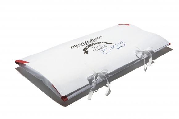 「ディーゼル」から限定発売される、初の岡山産デニムを見逃すな。