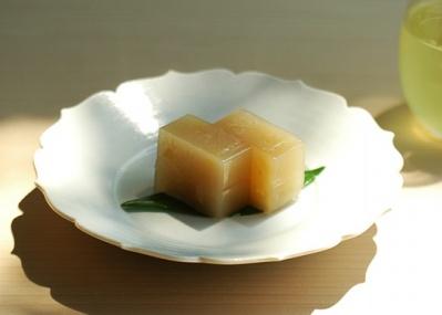 HIGASHIYAから届いた、季節限定「生姜羊羹」で、日本の夏を感じましょう。