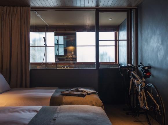 自転車に乗ったままチェックイン、ホテル「ONOMICHI U2」が気になる!
