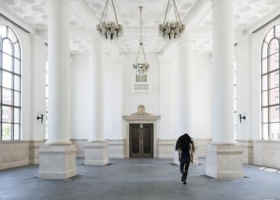 70時間連続ライヴ! 現代美術家・山川冬樹、『生』そのもののインスタレーションに挑む。