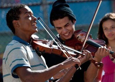 リオ デ ジャネイロのスラム街、「ファベーラ」を舞台にした感動映画『ストリート・オーケストラ』をいまこそ見よ!